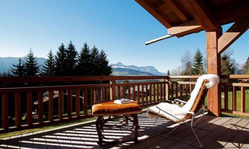 Rent a luxury ski chalet in Courchevel